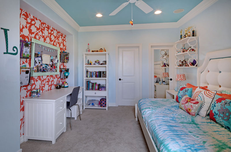 San Clemente Teen Girl Bedroom
