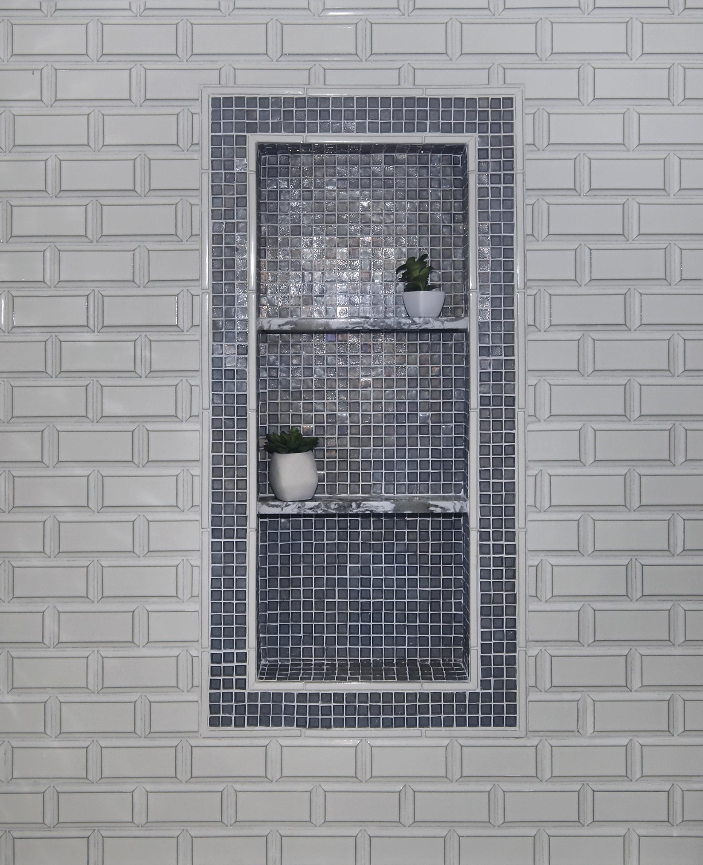 Palm Desert Guest Bath Shower Detail
