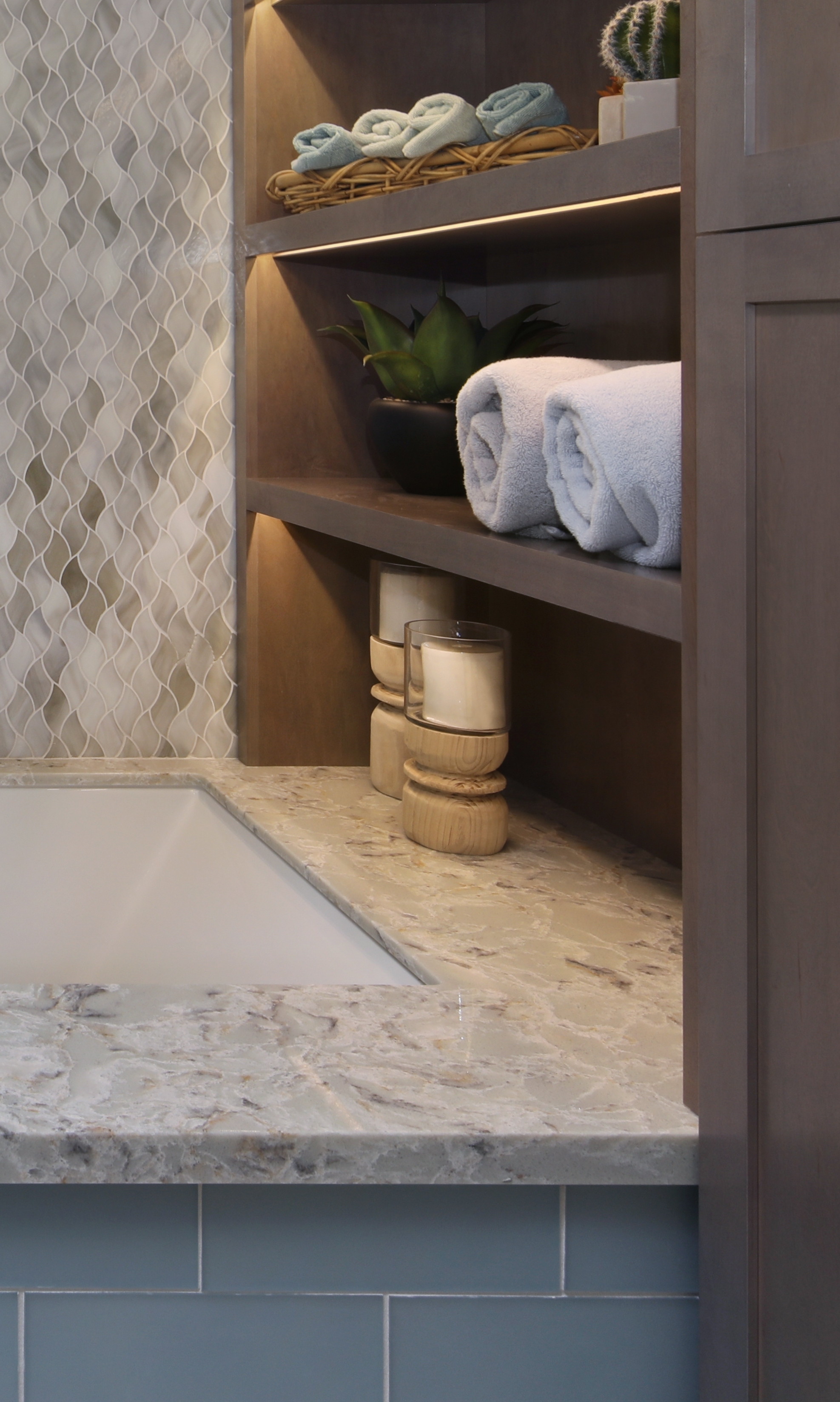 Palm Desert Master Bathroom Shelves